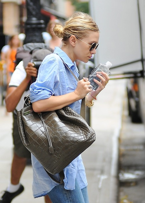 Blue Jeans & White Shirt: my style icon, Olsen Twins