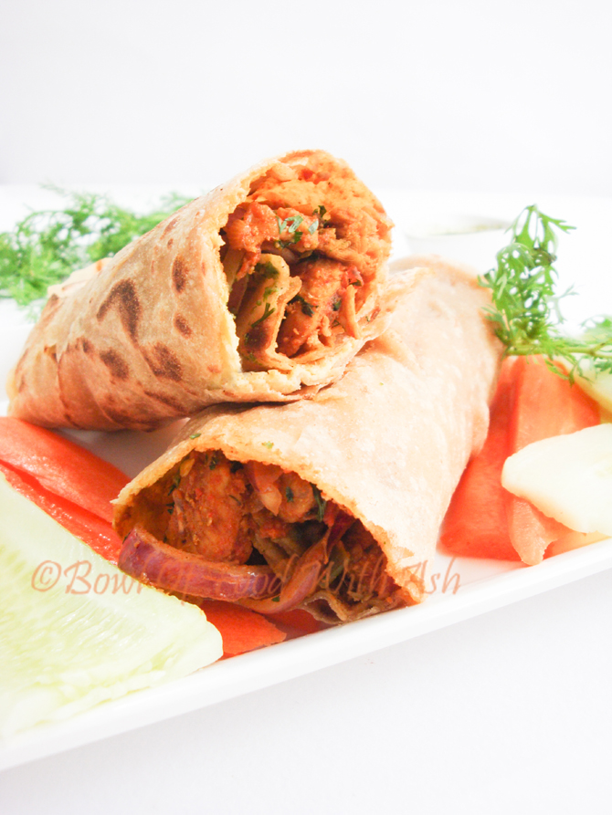Chicken Frankie Recipe | How To Make Chicken Kathi Roll