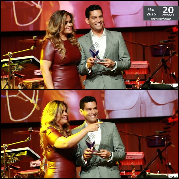 Ismael-Cala-reconocido-Premio-Tecla-Celebridad-latina-admirada-redes-sociales