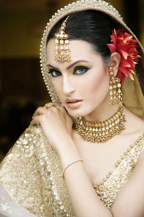 Bride Wedding Pictures Pakistani Bridal Makeup
