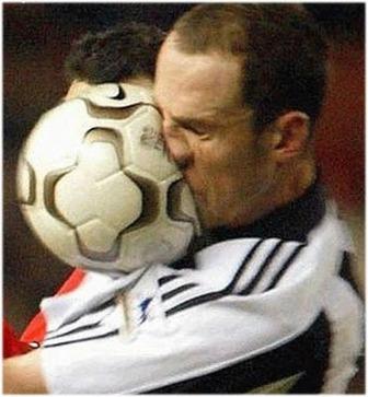 Imágenes graciosas de fútbol Humor Fútbol Club Mucho  - Imagenes Graciosas De Jugadores De Futbol