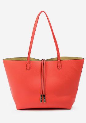 coral tote, perfect tote bag, summer staples, summer must-haves, Remi & Reid, reversible handbags, best sale tote bags