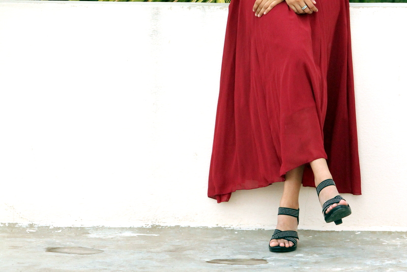 maroon maxi skirt, oasap maxi skirt, indian fashion blog, best indian fashion blog, hyderabad fashion blog, how to wear maxi skirts, how to dress for monsoon