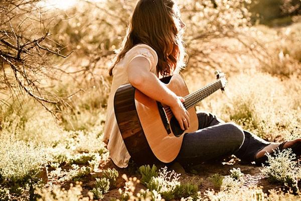 Toque violão sozinho