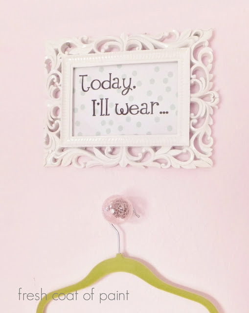 Daily Outfit sign and hanger
