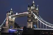 We then moved onto London and Tower Bridge. (tower bridge )