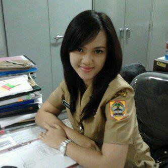 Foto PNS Cantik Ditha Arliani profil biodata video