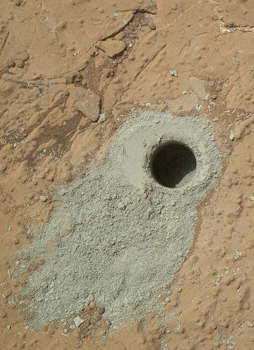 Rover Curiosity faz descoberta revolucionária em Marte