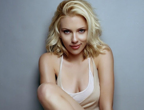 Hot Celebrity Scarlett Johansson