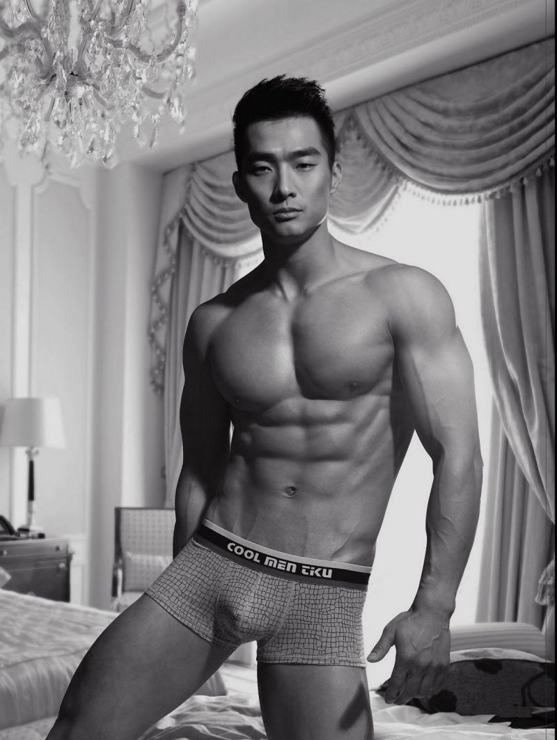 Picture-07-Jin-Xiankui-briefs-collection-sexy-body-Asian-men.jpg