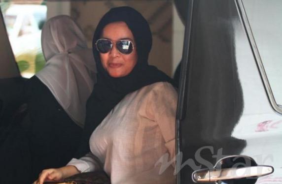 Rozana Misbun failkan permohonan interim nafkah anak: Awie anggap isterinya mahu sabotaj