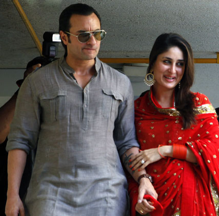 Photos of Mrs. and Mr.Khan coming from the court after the wedding