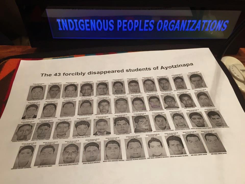Comit�s de Defensa del Barrio: April 2015