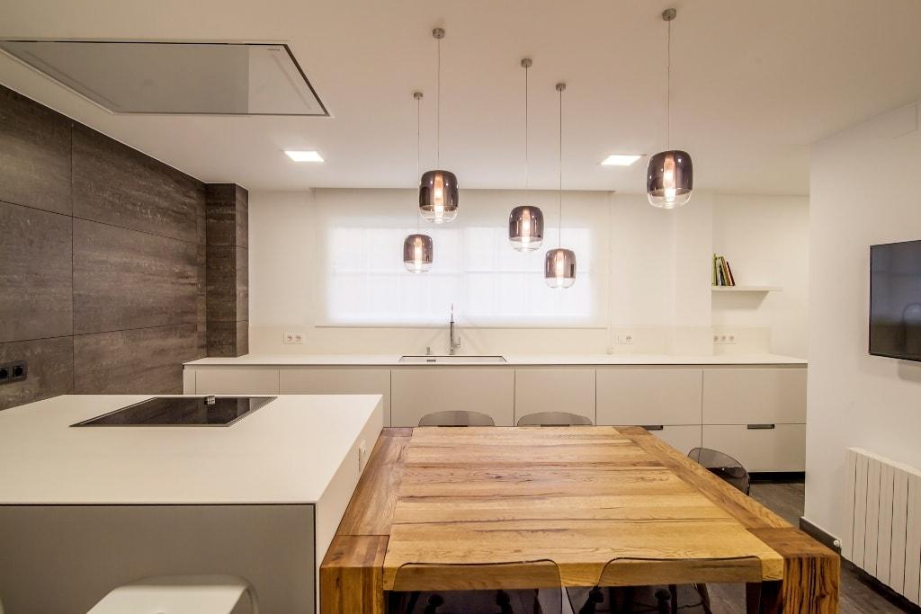 Cocina santos sillas - Cocinas blancas y madera ...