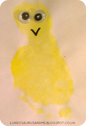 Easter Activities For Toddlers. Toddlers Footprint Easter Chick Card. www.lukeosaurusandme.blogspot.co.uk