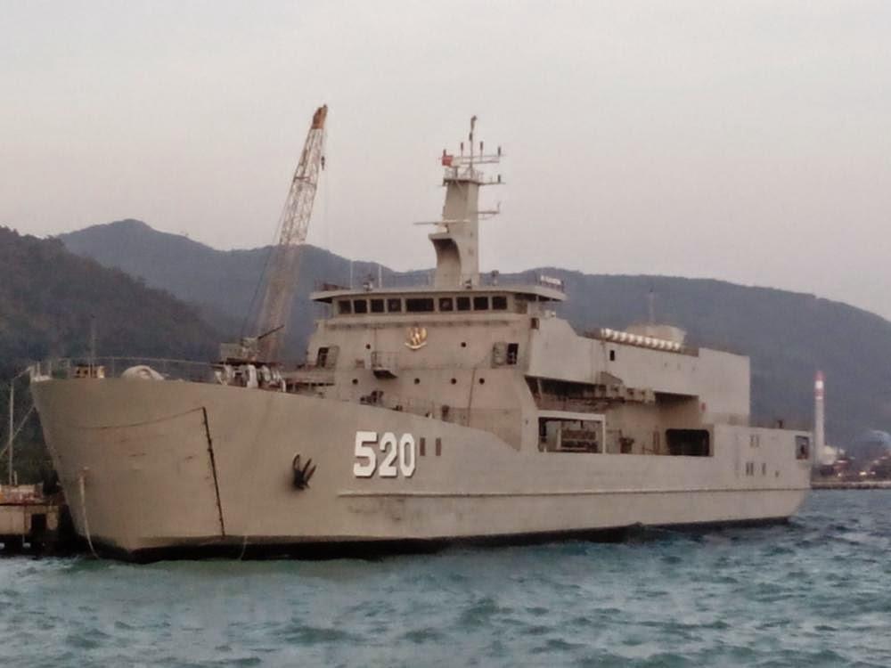 KRI 520 Teluk Bintuni