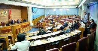 Ciuma LGBT se întinde: Muntenegru a legalizat parteneriatul civil între persoane de același sex