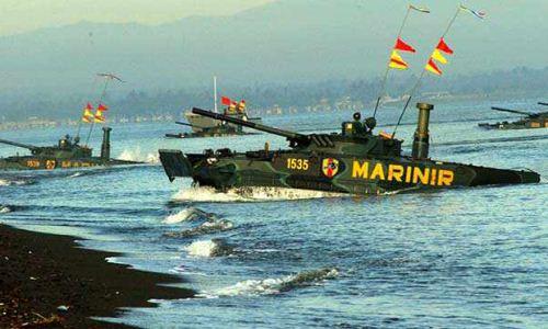 Pendaratan tank amfibi Marinir