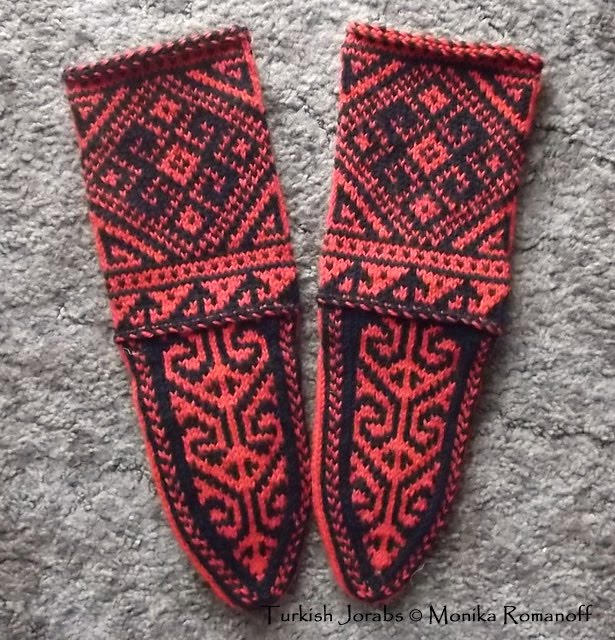 Knitting Pattern For Turkish Slippers : Historic Crafts: Jorabs   Ethnic Socks that travel the globe