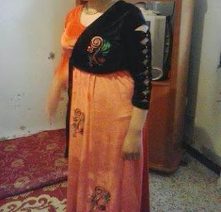http://www.almaraaworld.com/2013/11/Velvet-dress-Balblouligo-and-how-to-change.html