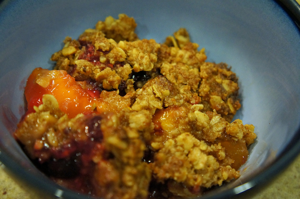 The Family Chef: Gluten-free Fruit and Berry Crisp Recipe