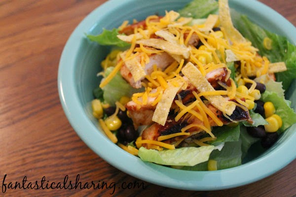 Copycat Panera BBQ Chicken Salad | A tasty, light salad that is perfect for busy summer nights #copycat #salad #Panera #recipe