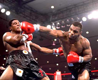 Biografi Mike Tyson - Sang Petinju Kelas Berat