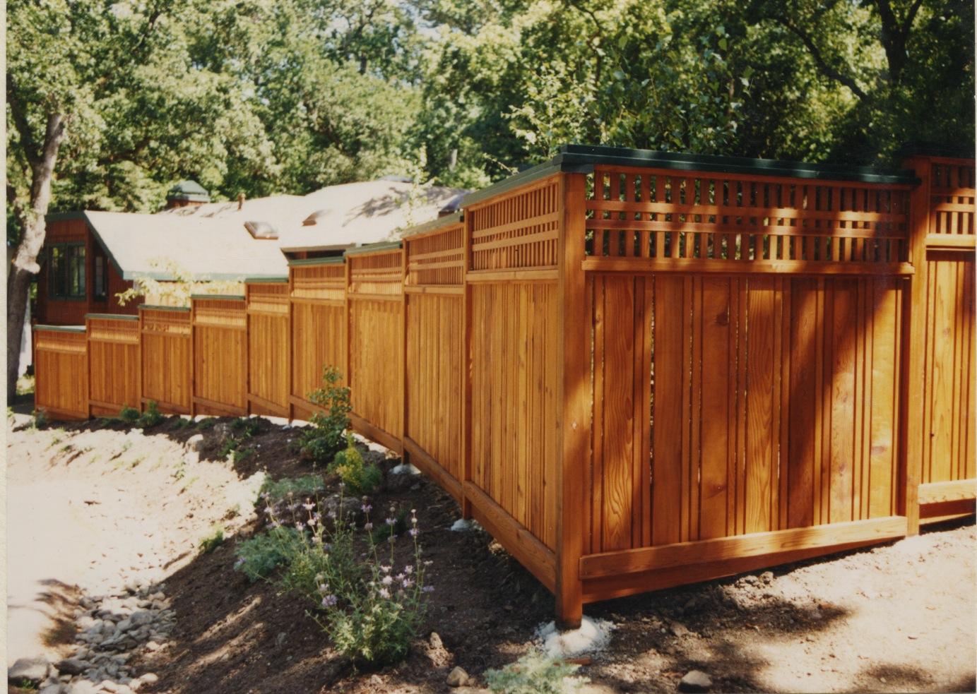 Macgregor construction craftsmen fence with custom lattice for Craftsman style fence