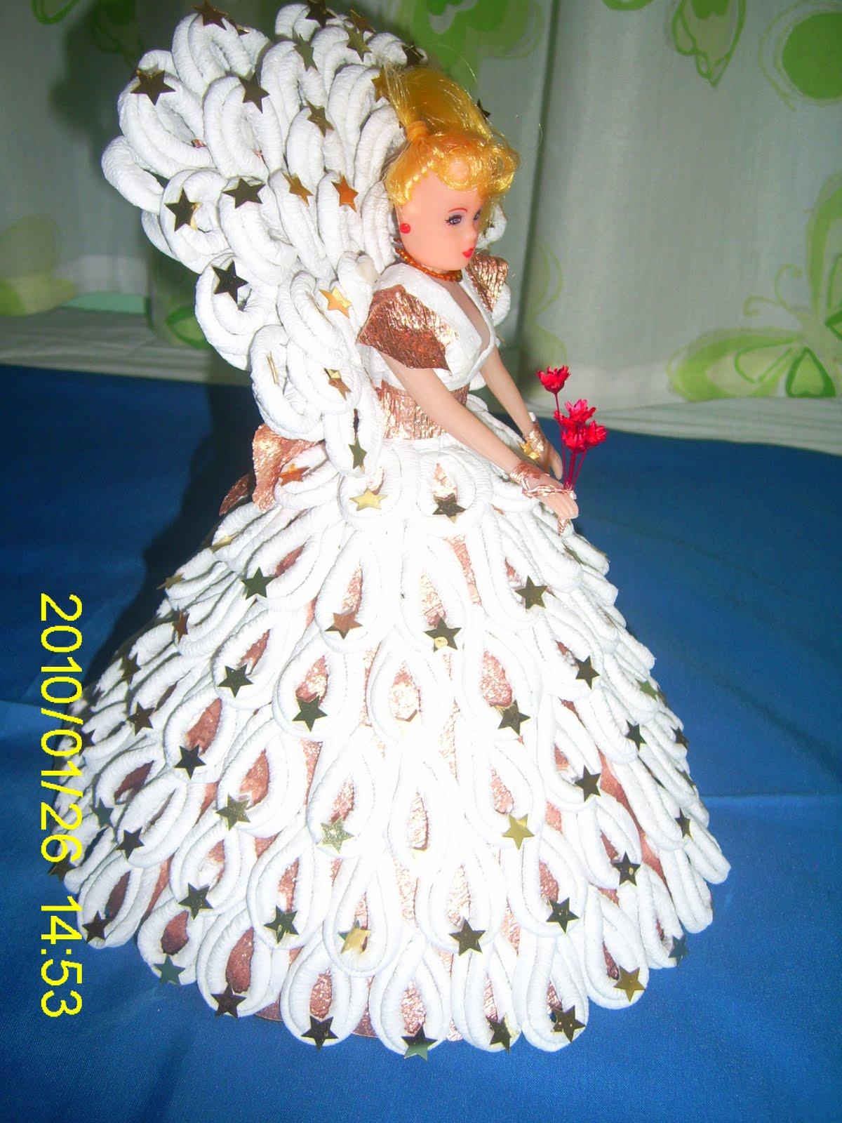 Muneca Con Vestido De Papel