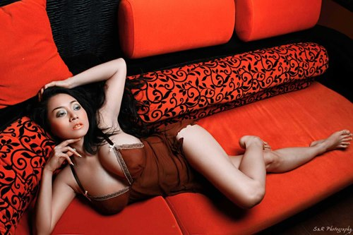 foto bugil sarah ardhelia model hot indonesia   dunia