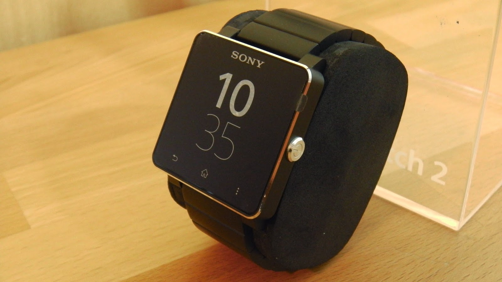 ServingTech: Review: Sony Smartwatch 2