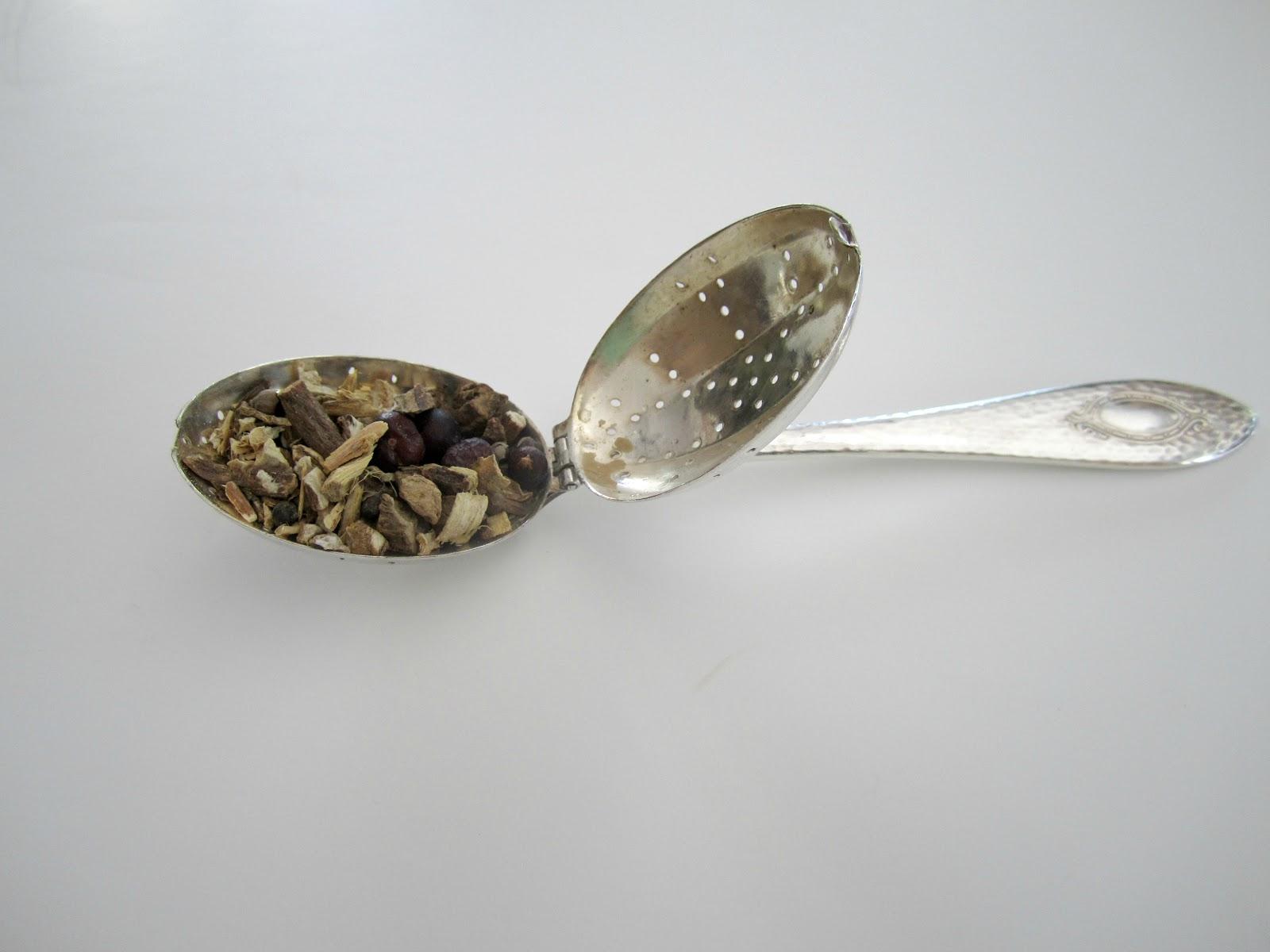 Teaspoon Tea Infuser Filled with Loose Tea
