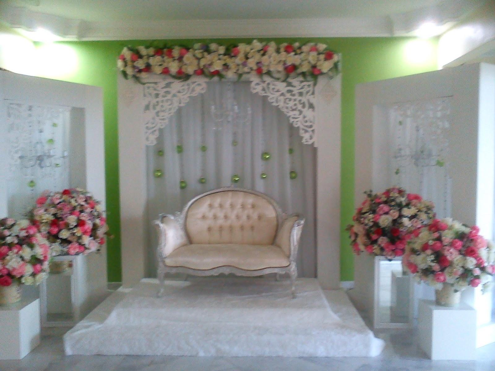 Adilkerck my sis wedding on 11122011 my sis wedding on 11122011 pelamin decoration english style junglespirit Image collections