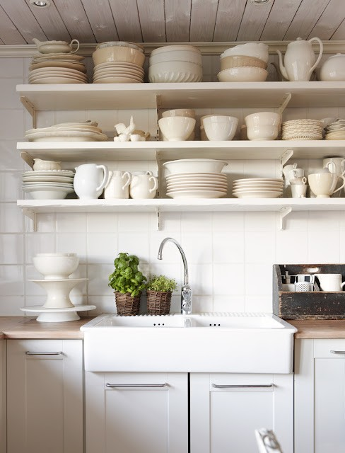 White Open Kitchen Shelves 488 x 640
