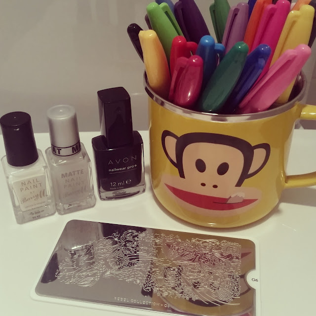 colouring-in-stamping-sharpie-nail-art