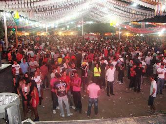 A praça e o povo.