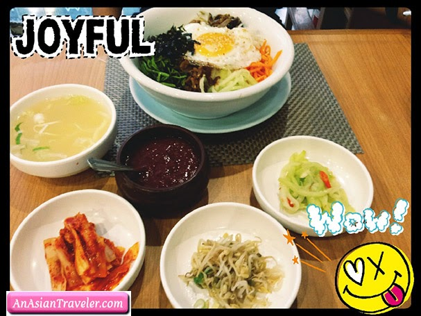 Bibimbap with side dishes
