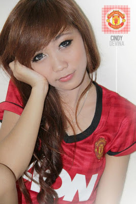 Cindy Devina in an interview to Manchester United Girls website