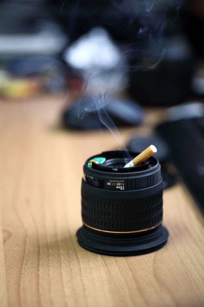 10 maneiras de reciclar lentes fotográficas cinzeiro