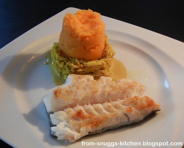 Skrei mit Pastinaken-Karotten-Püree und Sahne-Curry-Wirsing