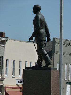 statue of Truman