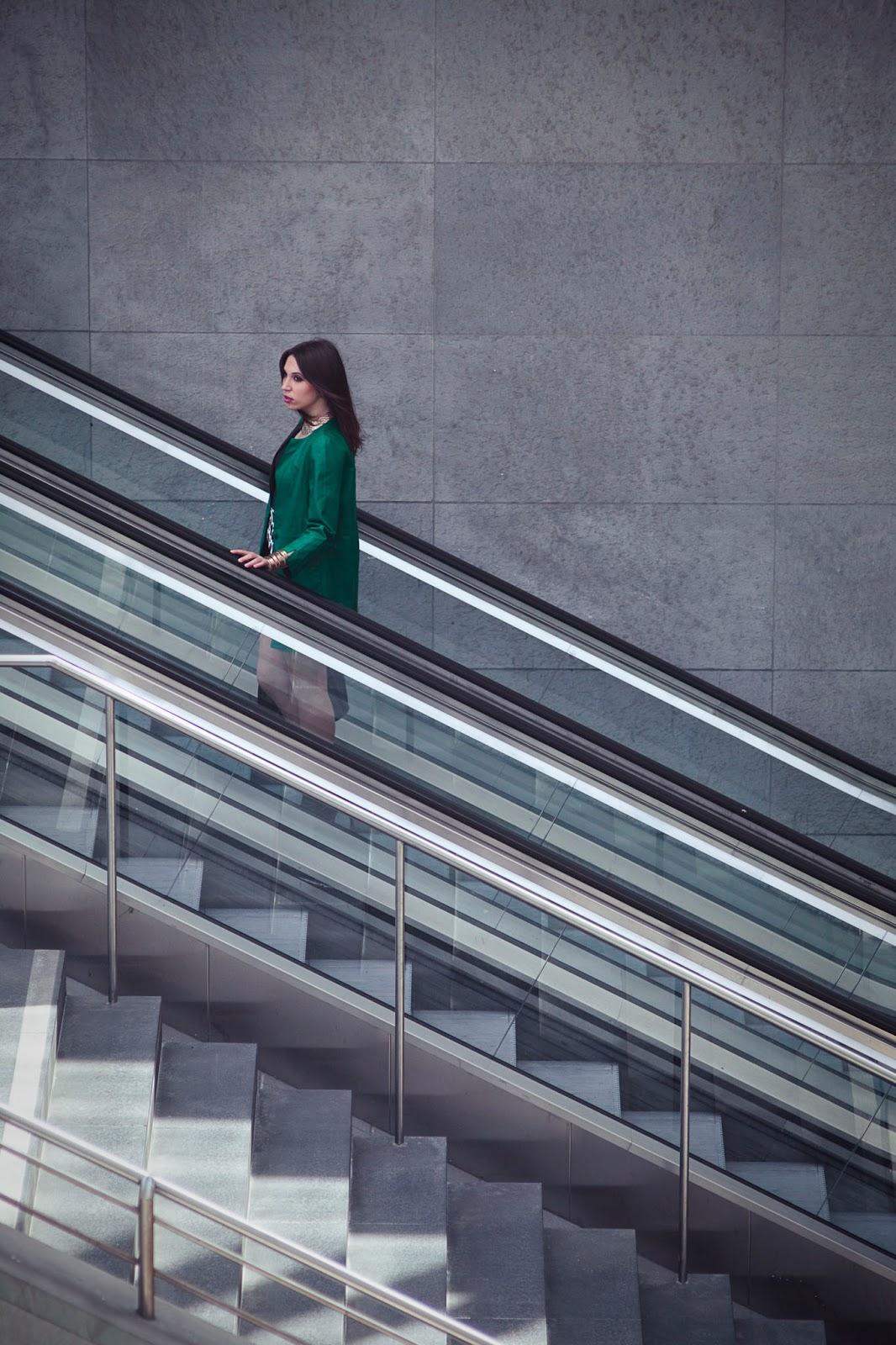 business-woman-potsdamer-platz-berlin-2014-outfitoftheday