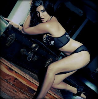 Sunny Leone hot bikini photos
