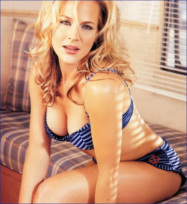 julie benz boondock saints cowgirl. Julie Benz started out