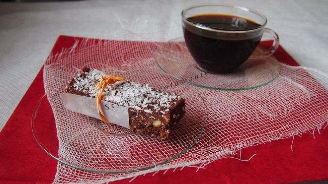Batoniki z kokosem migdałami czekoladowo-bakaliowe
