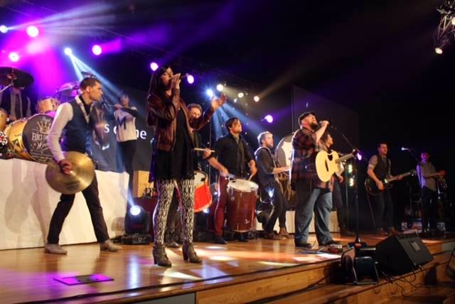Big Daddy Weave - Love Come To Life (The Redeemed Edition) 2014 awesome live band from america