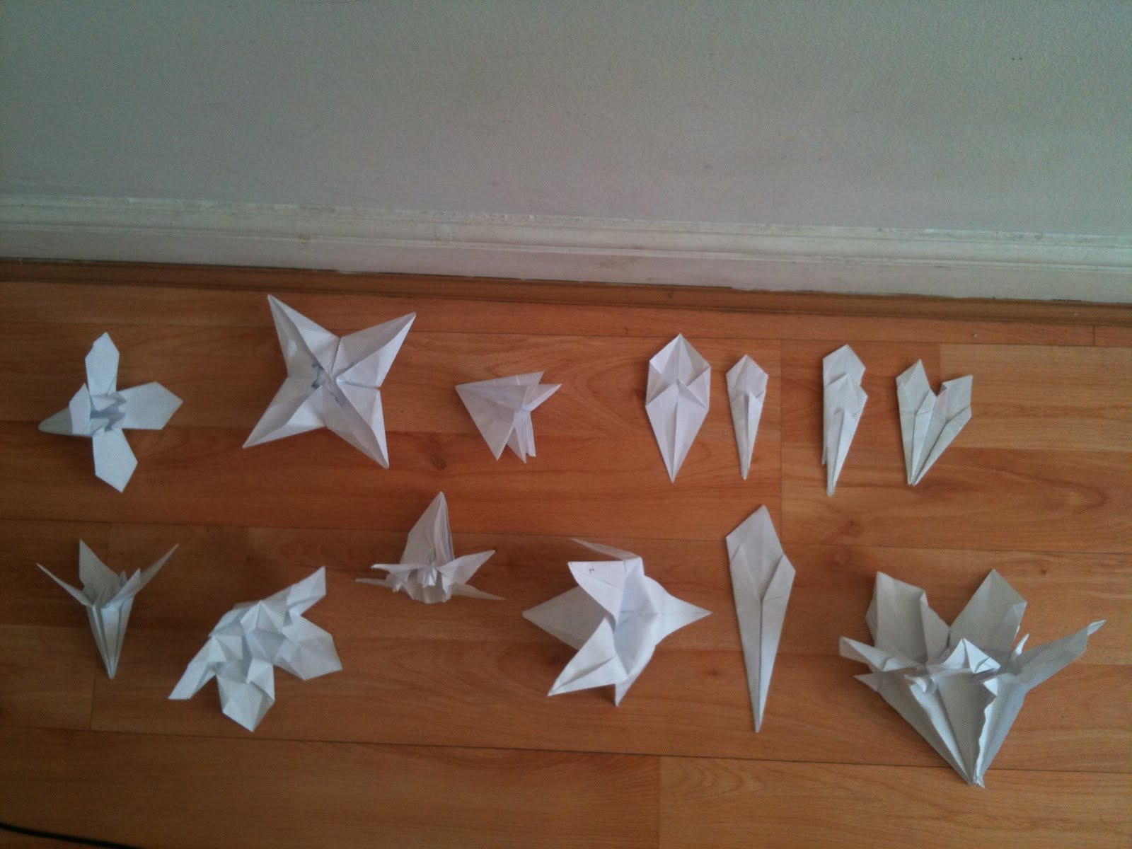 Fold Fly Be Delighted 8 Folding Paper Flowers