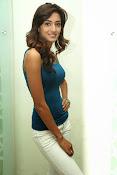 Erika Fernandez glamorous photos-thumbnail-9