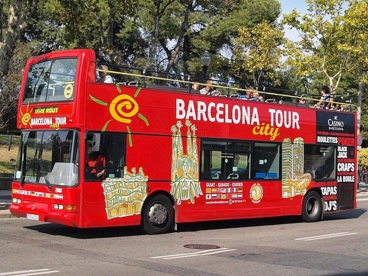 Barcelona bus turistic. Туристический автобус в Барселоне.