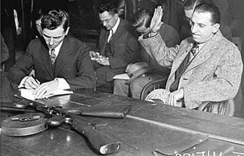 a history of organized crime in america in the 1920s The mob grew from the bootlegging years of the 1920s as immigrants seized economic opportunity  according to blood and power, a history of organized crime by .